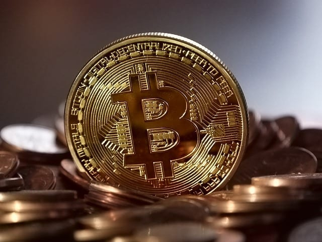 5 Impacts of Bitcoin on Economy, Banking & Finance